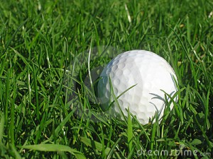 balle-de-golf-dans-l-herbe-857635